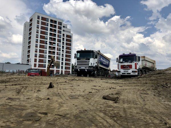 Adora 2 devine realitate. Adora Park Arad a început construcția celui de-al doilea bloc în Arad – ARQ.RO